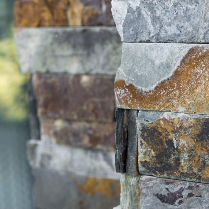 steenstrips in natuursteen