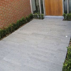 basalt strips recht op recht geplaatst