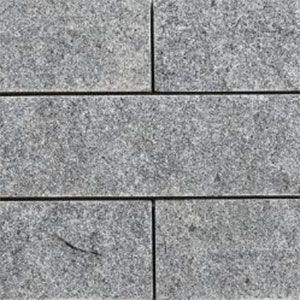 graniet strips in waalformaat met een gekloven afwerking