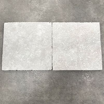 Lot uit de tegel outlet van Top Tegel 04 in West vlaanderen: 1m² keramische blauwsteen light grey 20x20cm