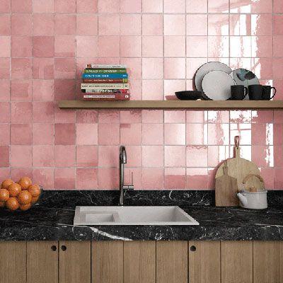 Roze keramische wantegels: Equipe Rose Mallow 13.2x13.2cm in de tegel outlet van Top Tegel 04 in West vlaanderen